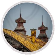 Barn Roof In Color Round Beach Towel