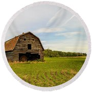 Barn On The Field Round Beach Towel