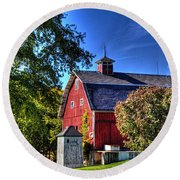 Barn With Out-sheds Brunner Family Farm Round Beach Towel