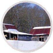 Barns And Horses In Winter Round Beach Towel
