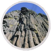 M-a5607-basalt Columns On Pilot Rock Round Beach Towel