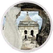 Basilica Catedral De La Asuncion 1747 Leon Nicaragua 003 Round Beach Towel