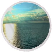 Bay Of Green Bay Wi Round Beach Towel