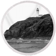 Beach View Of North Head Lighthouse Round Beach Towel by Robert Bales