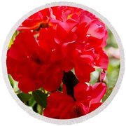 Beautiful Red Roses Round Beach Towel