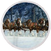 Clydesdales 8 Hitch On A Snowy Day Round Beach Towel