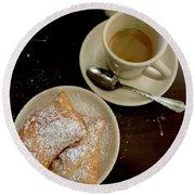 New Orleans Beignets And Coffee Au Lait  Round Beach Towel
