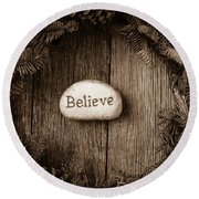 Believe In Text In The Center Of A Christmas Wreath Round Beach Towel