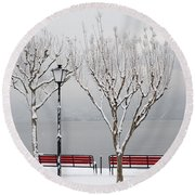 Bench On Lakefront In Winter Round Beach Towel