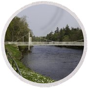 Benches And Suspension Bridge Over River Ness Round Beach Towel