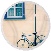 Bicycle On The Streets Of Old Quebec City Round Beach Towel