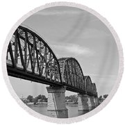 Big Four Bridge Bw Round Beach Towel