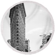 Big In The Big Apple - Bw Round Beach Towel by Hannes Cmarits