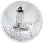 Birds And Lighthouse Round Beach Towel