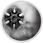 Black And White Abstract Burst Round Beach Towel