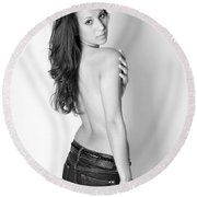 Black And White Beauty Round Beach Towel