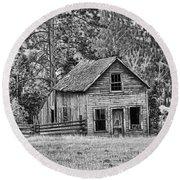 Black And White Old Merritt Farmhouse Round Beach Towel