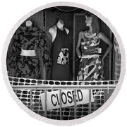 Black And White Outdoor Clothing Display Round Beach Towel