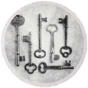Black And White Photograph Of Vintage Skeleton Keys For Rustic Home Decor Round Beach Towel