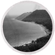 Black And White Sleeping Bear Dunes Round Beach Towel