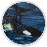 Black Beauty Round Beach Towel