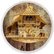 Black Forest Figurine Clock Round Beach Towel