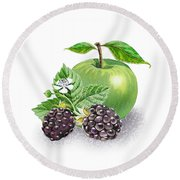 Blackberries And Green Apple Round Beach Towel