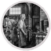Blacksmith And Apprentice 2 Bw Round Beach Towel