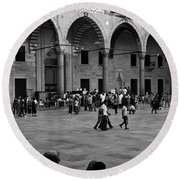 Blue Mosque Courtyard Round Beach Towel