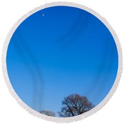 Blue Sky Day Round Beach Towel