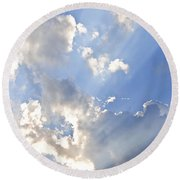 Blue Sky With Sun Rays Round Beach Towel
