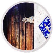 Blue Tile Brown Door 1 Round Beach Towel