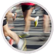 Blurred Marathon Runners Round Beach Towel