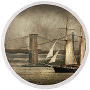 Boat - Sailing - Govenors Island Ny - Clipper City Round Beach Towel