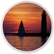Boats Entering The Channel At The Muskegon Lighthouse Round Beach Towel