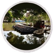 Boats On The Thames River Oxford England Round Beach Towel
