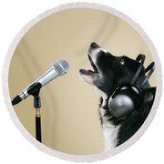 Border Collie Dog Singing Round Beach Towel