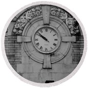 Bowling Green Time In Black And White Round Beach Towel