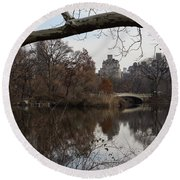 Bows And Arches - New York City Central Park Round Beach Towel