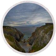 Bretagne Cliffs Round Beach Towel
