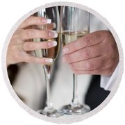 Bride And Groom Champagne Toast Round Beach Towel