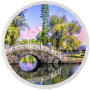 Bridges At Liliuokalani Park Hilo Round Beach Towel