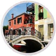Bridges Of Venice Round Beach Towel