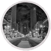 Broad Street At Night In Black And White Round Beach Towel