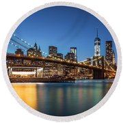 Brooklyn Bridge At Dusk Round Beach Towel