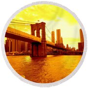 Brooklyn Bridge In Yellow Round Beach Towel