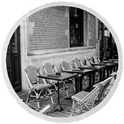Brussels Cafe In Black And White Round Beach Towel