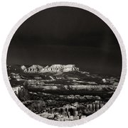 Bryce Canyon Formations In Black And White Round Beach Towel