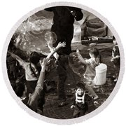 Bubbles And Kids - Central Park Sunday Round Beach Towel