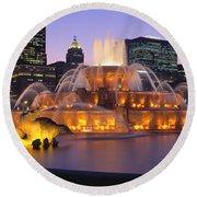 Buckingham Fountain, Chicago, Illinois Round Beach Towel